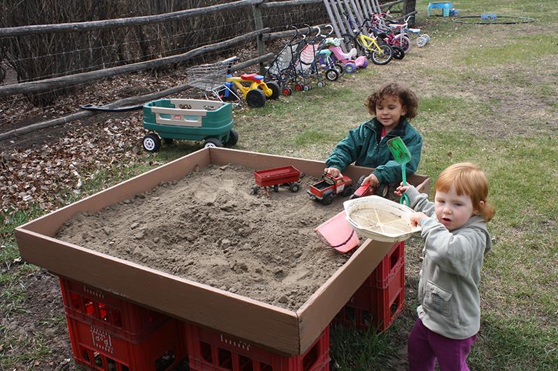 Sch-visit-sand-box